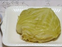 Không đủ thời gian nấu nướng hãy cho cả búp bắp cải vào nồi cơm điện, hơn 30 phút là có món ngon xuất sắc