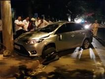 Ô tô mất lái tông trực diện vào xe máy, bé trai 10 tuổi tử vong, 3 người trọng thương