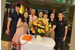 Hình ảnh mới nhất của vợ Duy Mạnh khi mang bầu: To gấp đôi mọi người