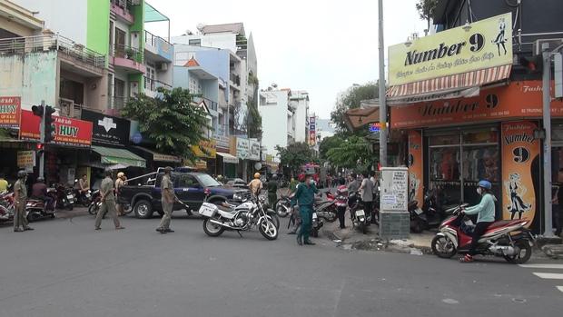 Đã bắt được người phụ nữ cướp 2 tỷ ở chi nhánh ngân hàng Techcombank tại Sài Gòn-1
