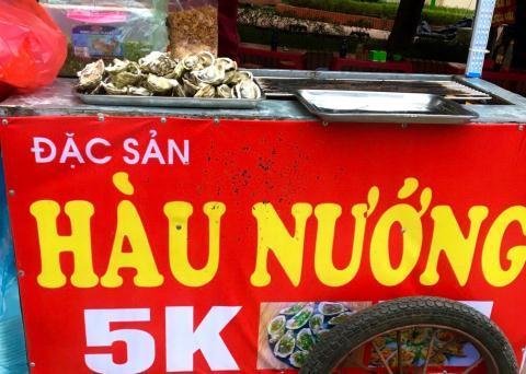Hàu nướng vỉa hè 5.000 đồng/con đầy phố Hà Nội: Là hàu loại-1