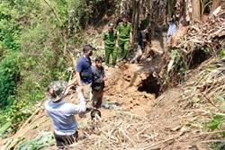Thực nghiệm hiện trường vụ thợ săn bắn nhầm người, quỳ lạy 3 lần rồi giấu xác vào hang
