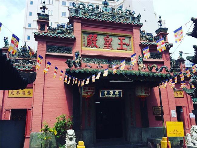 15 ngôi chùa linh thiêng nên đi lễ dịp đầu năm ở Hà Nội, Sài Gòn - Ảnh 12.