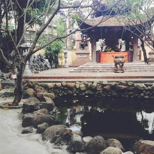 15 ngôi chùa linh thiêng nên đi lễ dịp đầu năm ở Hà Nội, Sài Gòn - Ảnh 8.