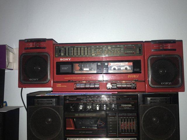 Người đi buôn kỷ niệm, 27 năm gắn bó với đài cassette-2