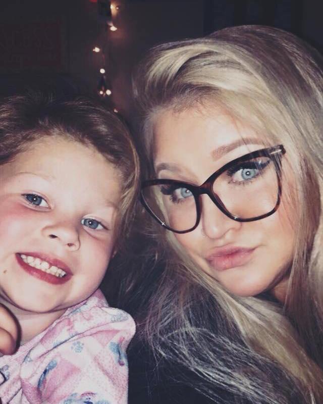 Mẹ sốc khi thấy con gái 2 tuổi dậy thì sớm nhưng không ngờ điều đó lại cứu mạng con-1