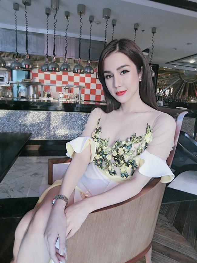 Nhan sắc thay đổi chóng mặt của mỹ nữ sắp kết hôn với thiếu gia Sài thành-19