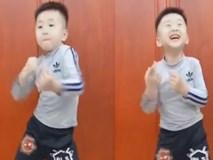 Cậu bé khiêu vũ dẻo không khác gì vũ công