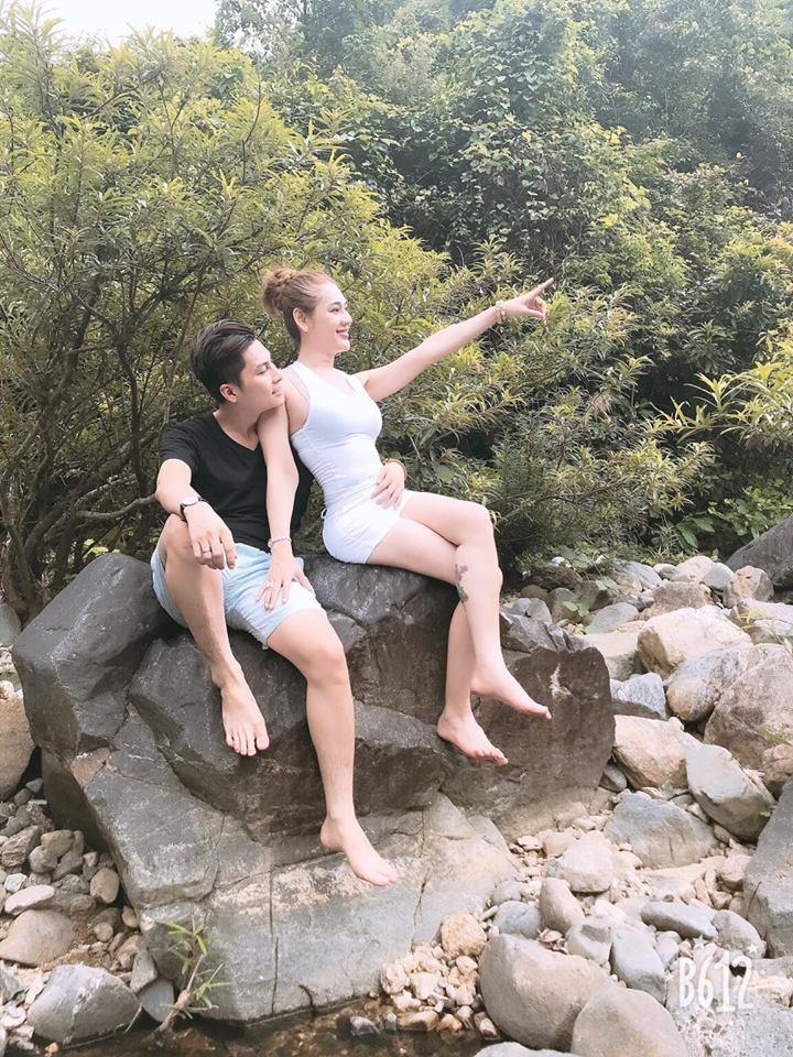 Lâm Khánh Chi khoe vòng 1 nóng rẫy khi đi trăng mật với chồng trẻ-7