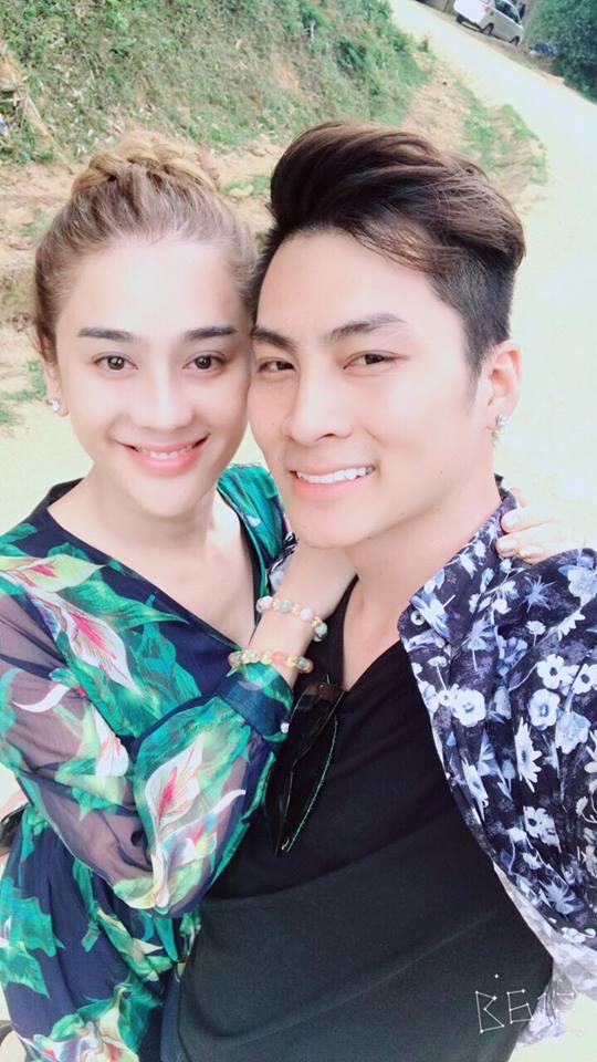 Lâm Khánh Chi khoe vòng 1 nóng rẫy khi đi trăng mật với chồng trẻ-8