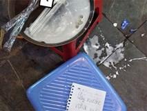 Chỉ vì một cốc nước lọc, nữ sinh để lại mảnh giấy và hành động phản cảm sau đó