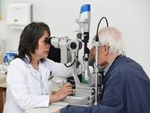 Ca ghép giác mạc đầu tiên tại Vinmec: Thắp lại ánh sáng sau hàng chục năm gần như mù lòa