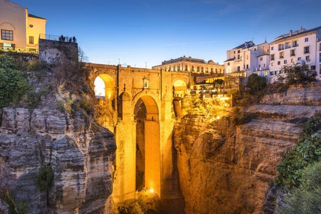Hạ Long lọt top 22 thành phố có phong cảnh đẹp nhất trên thế giới-5
