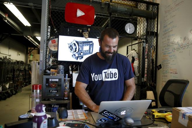 Bị đe dọa như cơm bữa, nhân viên YouTube sống trong sợ hãi-4