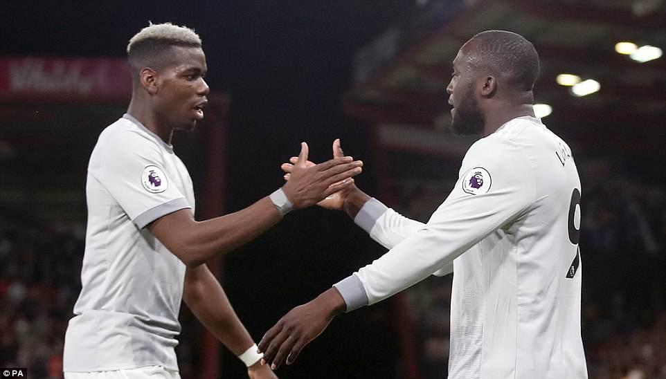 Paul Pogba phớt lờ, không thèm bắt tay HLV Mourinho-1