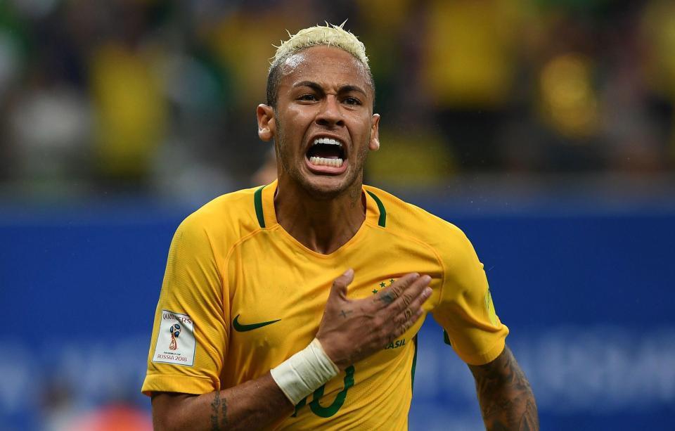 Kiểu tóc râu ngô của Beckham được chọn là biểu tượng của thế giới bóng đá-8