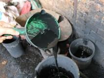 Ớn lạnh khi xem cách sản xuất cà phê nhuộm than pin