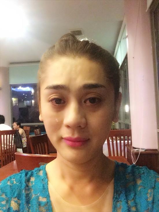 Từng là nữ hoàng chuyển giới, Lâm Khánh Chi lại để lộ nhan sắc xuống cấp rõ rệt khi livestream-5