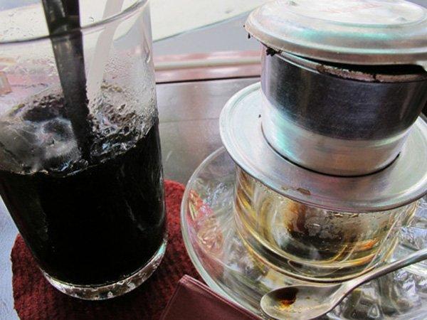 Cà phê nhuộm pin, trộn hóa chất: Uống trong sợ hãi-3