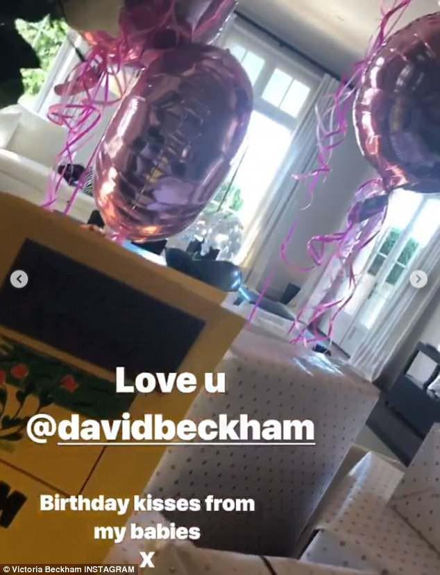 Tuổi 44, Victoria Beckham có mọi thứ người khác ao ước: Chồng giàu, đẹp trai và bầy con đáng yêu-2