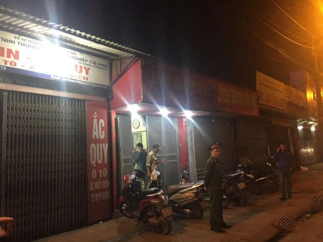 Người đàn ông cầm vật giống súng lao vào cướp tiệm vàng ở Hà Nội trong đêm-2