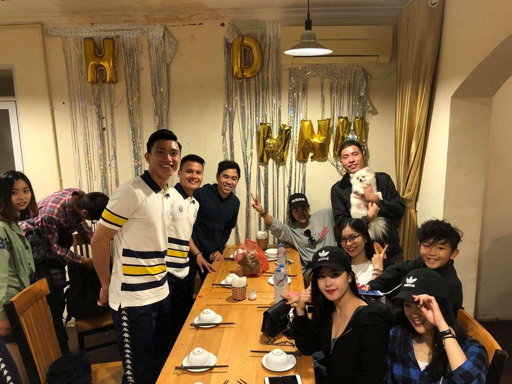 Cầu thủ Đoàn Văn Hậu công khai bạn gái trong ngày sinh nhật?-6