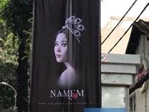 Poster quảng bá MV của Nam Em như phim kinh dị treo xung quanh khu vực quán ăn của Trường Giang