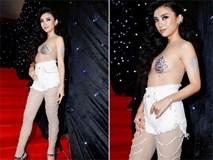 Tiêu Châu Như Quỳnh mặc hở thảm họa tại Tuần lễ Thời trang Việt Nam