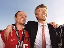6 khoảnh khắc hạnh phúc nhất của HLV Wenger tại Arsenal