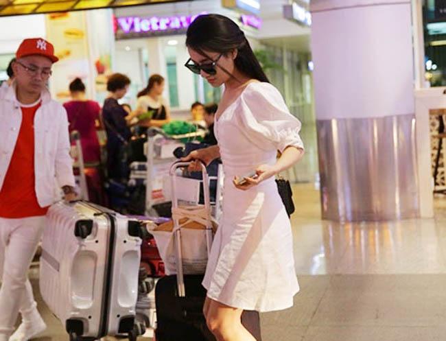 Nhã Phương lặng lẽ về Sài Gòn, cúi đầu ngó lơ khi bị chú ý tại sân bay-3
