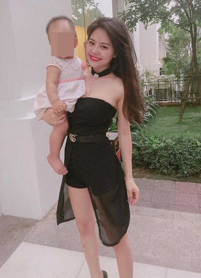 Mê mẩn đường cong nõn nà của single mom hot nhất Hà thành-1