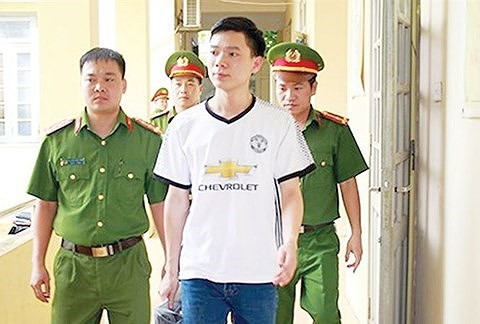 Bác sỹ Hoàng Công Lương đối mặt với khoản tiền bồi thường khủng-1