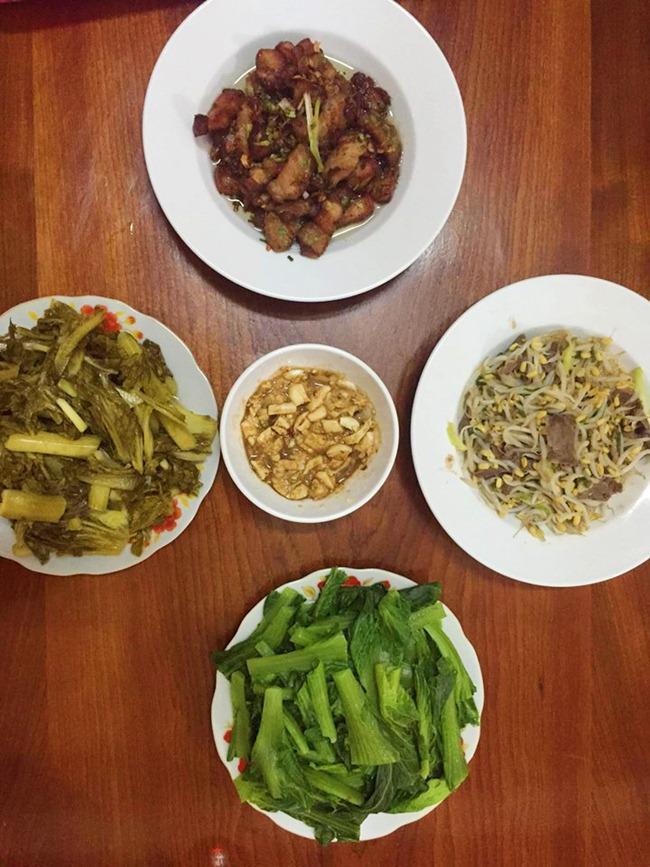 Vợ đảm ngày nào cũng vào bếp nấu nhiều bữa ăn ngon khiến chồng tăng 3kg sau cưới-15
