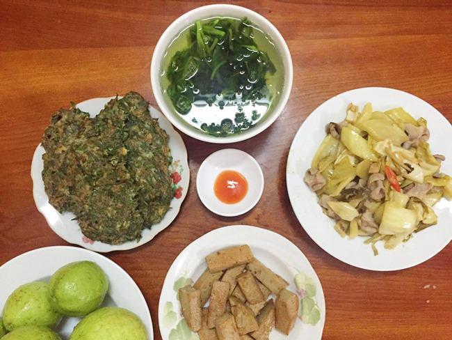 Vợ đảm ngày nào cũng vào bếp nấu nhiều bữa ăn ngon khiến chồng tăng 3kg sau cưới-14