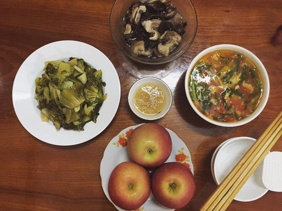 Vợ đảm ngày nào cũng vào bếp nấu nhiều bữa ăn ngon khiến chồng tăng 3kg sau cưới-13