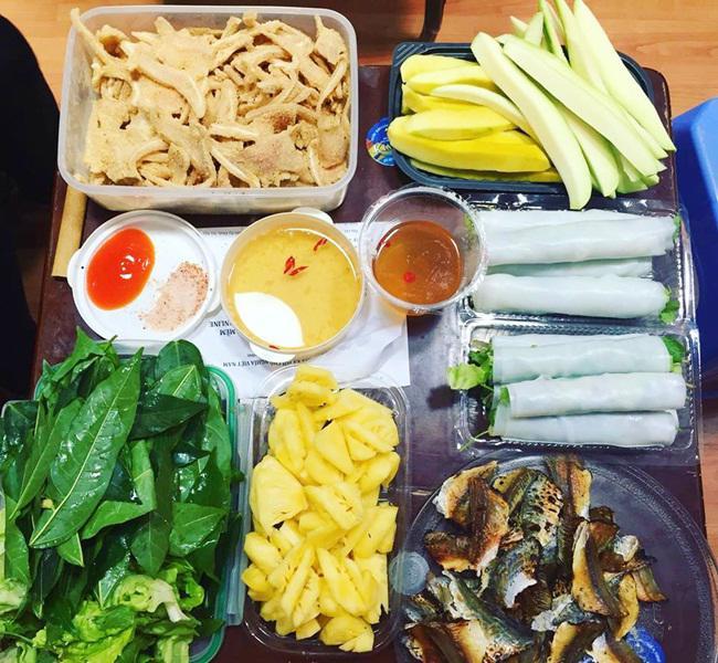 Vợ đảm ngày nào cũng vào bếp nấu nhiều bữa ăn ngon khiến chồng tăng 3kg sau cưới-2