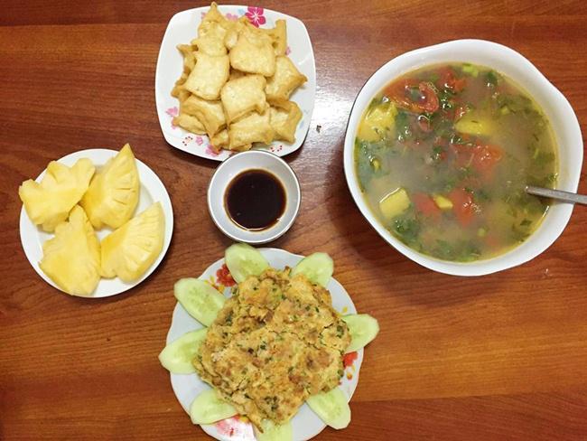 Vợ đảm ngày nào cũng vào bếp nấu nhiều bữa ăn ngon khiến chồng tăng 3kg sau cưới-11