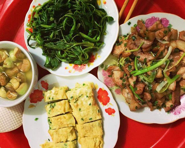 Vợ đảm ngày nào cũng vào bếp nấu nhiều bữa ăn ngon khiến chồng tăng 3kg sau cưới-5