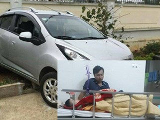 Vụ cô giáo lùi xe khiến 1 học sinh tử vong: 1 em dưới gầm xe may mắn thoát chết vì... khóc