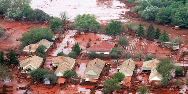 Sự thật về những cơn mưa máu gắn với điềm báo chết chóc, hủy diệt-1