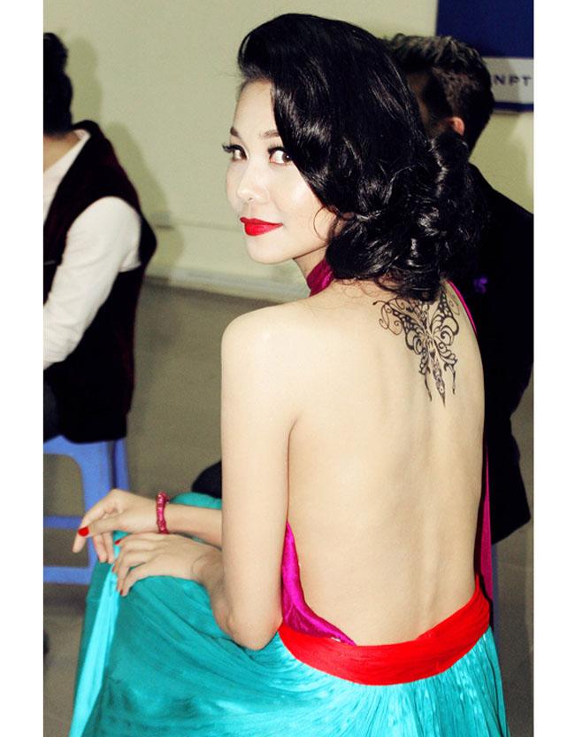Lưng trần nuột nà của Nhã Phương, Mai Phương Thúy, Elly Trần-17