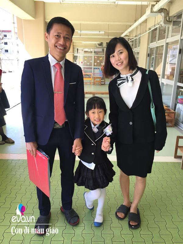 Áp lực chuyện sắm ti tỉ thứ đồ khi con học mầm non tại Nhật của mẹ Việt-6