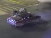 Vượt đèn đỏ với tốc độ cao, thiếu nữ bay thẳng lên nóc ô tô đang chạy