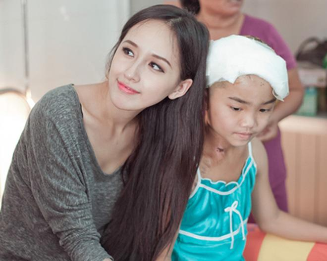 30 tuổi, Hoa hậu Mai Phương Thuý giàu có cỡ nào trong showbiz Việt?-18