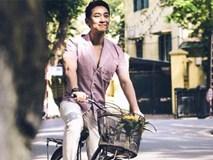 'Soái ca' Hứa Vĩ Văn đạp xe dạo phố Hà Nội