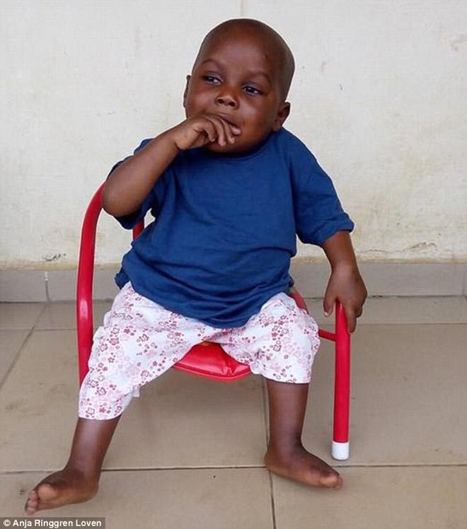 Hình ảnh mới nhất của cậu bé 2 tuổi từng bị bỏ đói gây chấn động thế giới-6