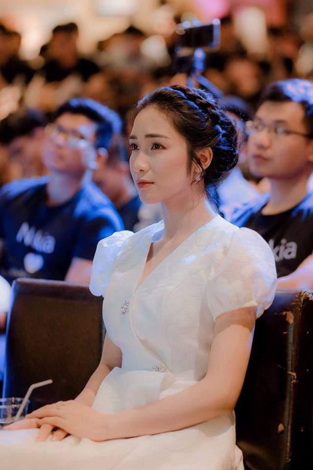 Sự thật chuyện Hoà Minzy mặc thiết kế nhái từ váy cưới của Song Hye Kyo-7