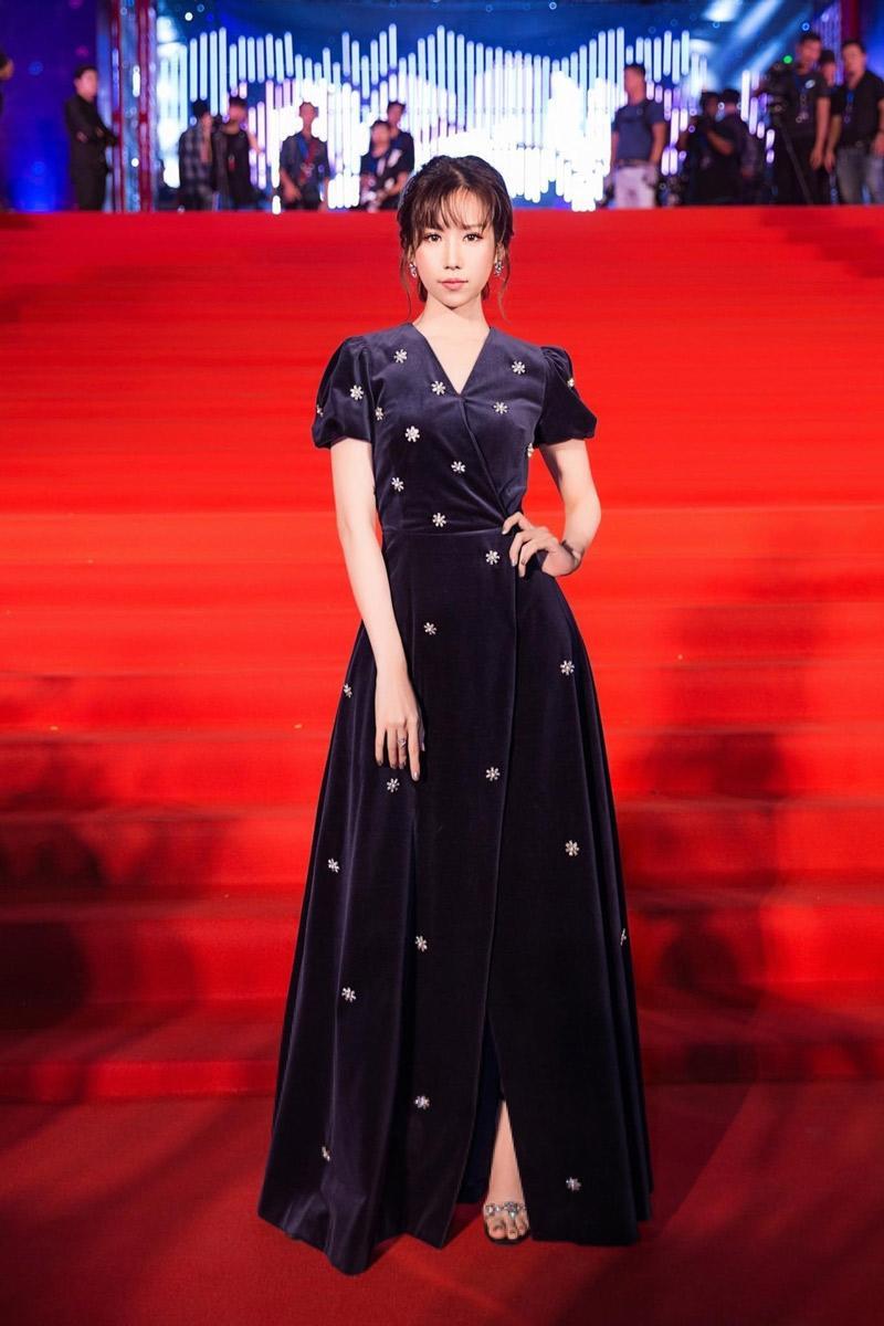 Sự thật chuyện Hoà Minzy mặc thiết kế nhái từ váy cưới của Song Hye Kyo-4