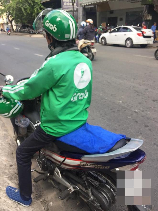 Chiếc khăn trải lên yên xe và lời nói ngại ngùng của tài xế Grabbike-1
