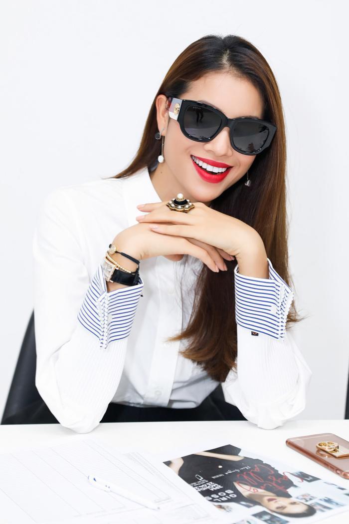 Phạm Hương là nàng Hoa hậu thay đổi phong cách chóng mặt nhất Vbiz-2